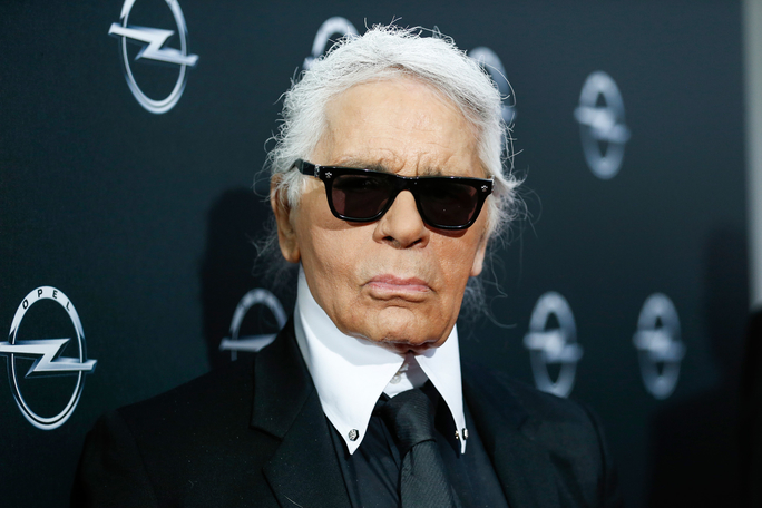 BERLIN, GERMANY - FEBRUARY 03: Karl Lagerfeld attends the 'Corsa Karl Und Choupette' Vernissage on February 03, 2015 in Berlin, Germany. (Photo by Franziska Krug/Getty Images)