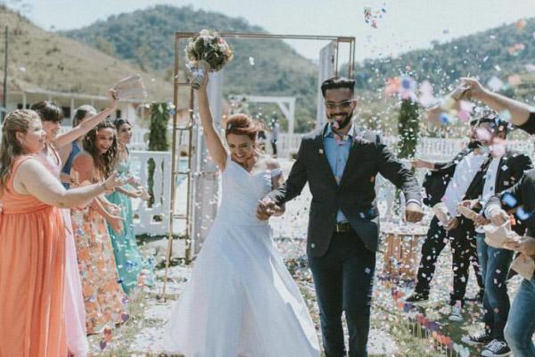 Os melhores tecidos para vestido de noiva