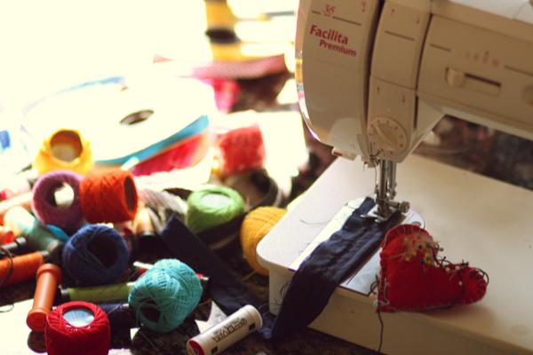 Na pandemia você poderá fazer o curso de costureira online
