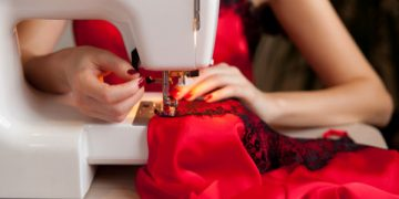 Aprendendo a costurar seda